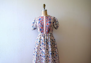 Late 1930s border print dress . vintage 30s puff sleeve dress