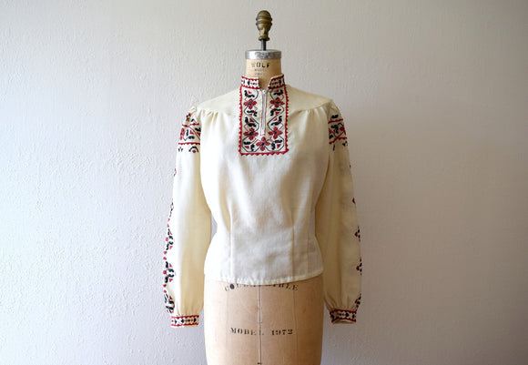 1940s embroidered blouse . vintage 40s wool top