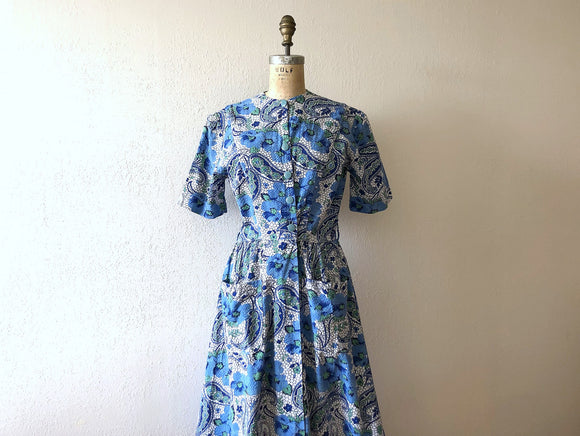 1940s house dress . vintage 40s cotton dressing gown