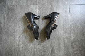 1920s shoes . vintage 20s Mary Jane heels