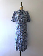 Load image into Gallery viewer, 1930s floral print dress . vintage 30s dress