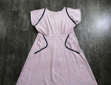 Load image into Gallery viewer, 1940s day dress . vintage 40s summer dress