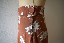 Load image into Gallery viewer, 1940s skirt . vintage 40s floral skirt