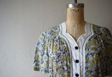 Load image into Gallery viewer, 1930s 1940s dress . vintage floral print dress