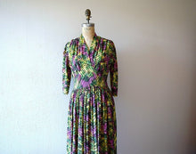 Load image into Gallery viewer, 1940s rayon dress . vintage early 40s print dress
