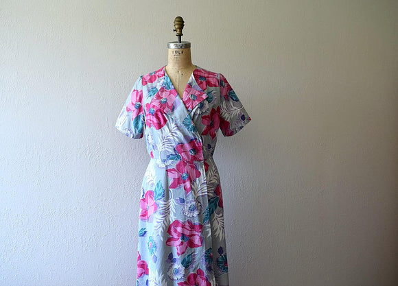 1940s wrap dress . vintage 40s house dress