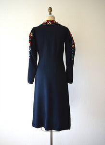 1930s embroidered dress . vintage 30s Arts and Crafts dress