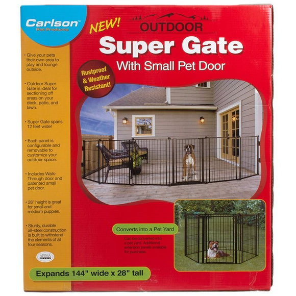 Carlson Super Gate with Pet Door (470)