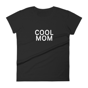 BuzzFeed Cool Mom Women's T-Shirt