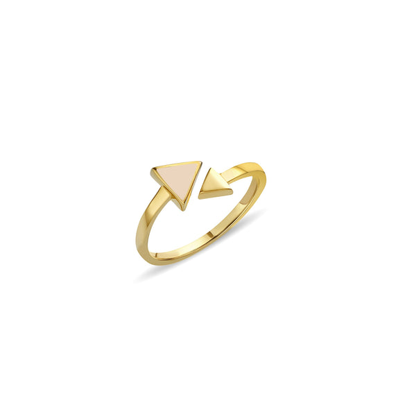 A charming and expressive gold ring. This 14 karat gold ring is inspired by the arrow symbol. The Arrow Rose Ring features hand-painted enamel in our favourite rose colour.