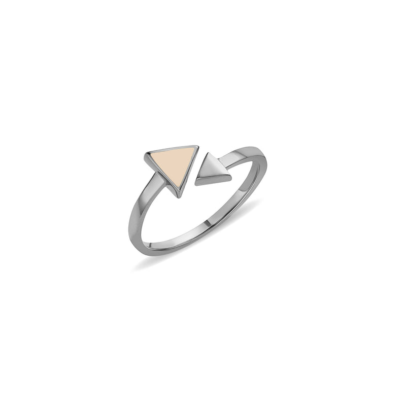 white gold ring. A charming and expressive gold ring. This 14 karat gold ring is inspired by the arrow symbol. The Arrow Rose Ring features hand-painted enamel in our favourite rose colour.