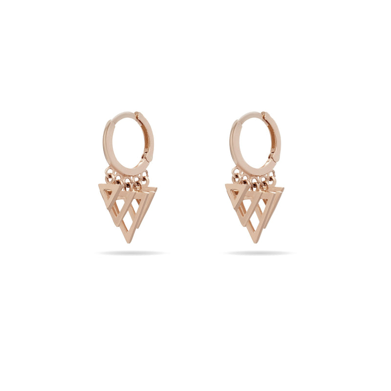 Our 14 karat gold bestseller earrings featuring triangle charms in rosegold