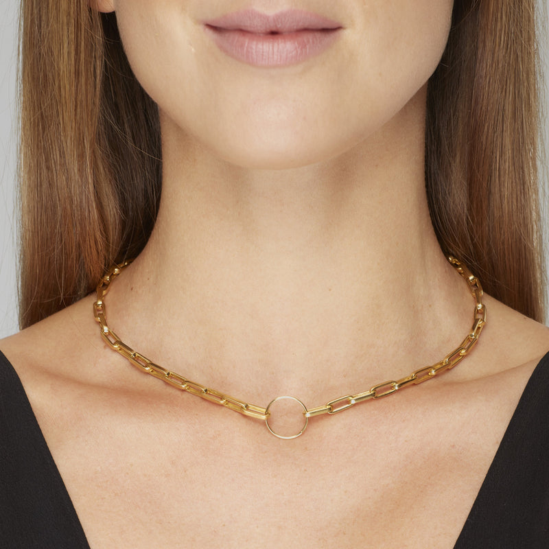 A unique chunky gold necklace that dresses up any outfit. Wear this necklace with your favorite tshirt or your blazer, it will state your elegance and style.  Team this necklace with the Chunky Bracelet.