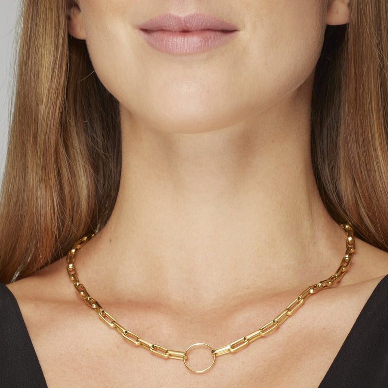 A unique chunky gold vermeil necklace that dresses up any outfit. Wear this necklace with your favorite tshirt or your blazer, it will state your elegance and style.  Team this necklace with the Chunky Bracelet.
