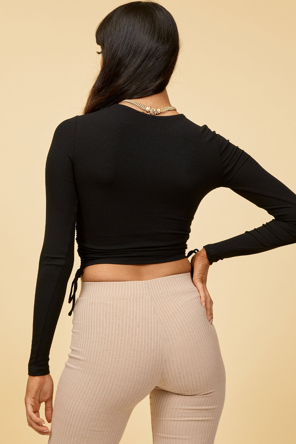 black long sleeve top, long sleeve crop top, black crop top