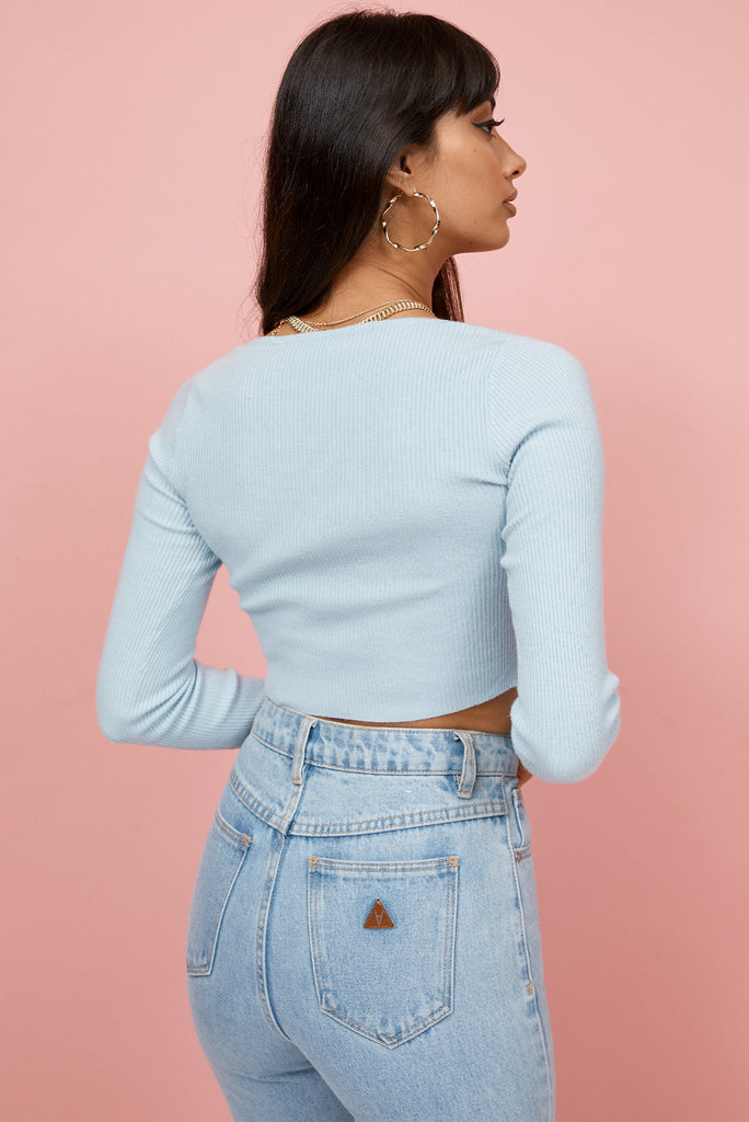 long sleeve crop top, crop top, blue crop top