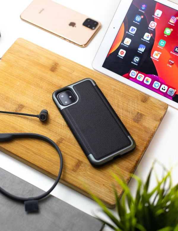5 Types of Phone Cases: Choosing the Best One | Sahara Case LLC