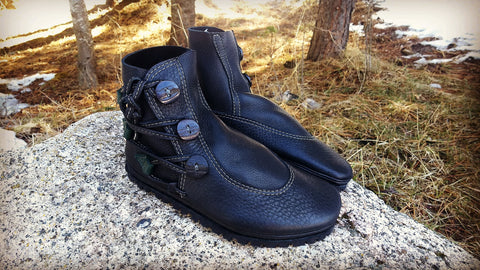 Black 3 button Hiker