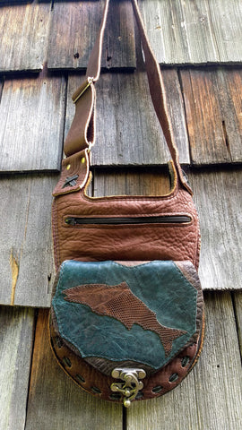 Salmon shoulder/cross body bag