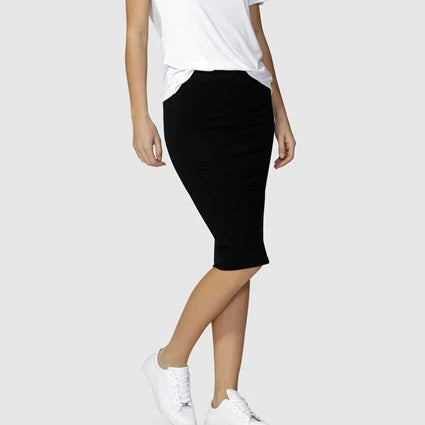 BETTY BASICS - Alicia Midi Skirt in Black