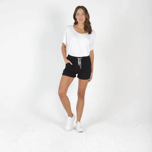BETTY BASICS - Byron Shorts
