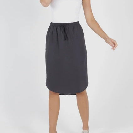 BETTY BASICS - Carson Linen Skirt with side pockets.