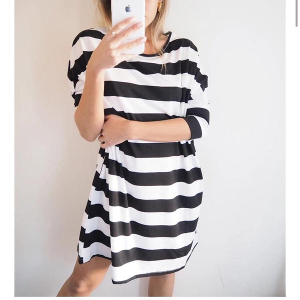 Black and White Stripe Pocket Dress