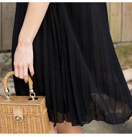 Stunning little black dress. - sammi