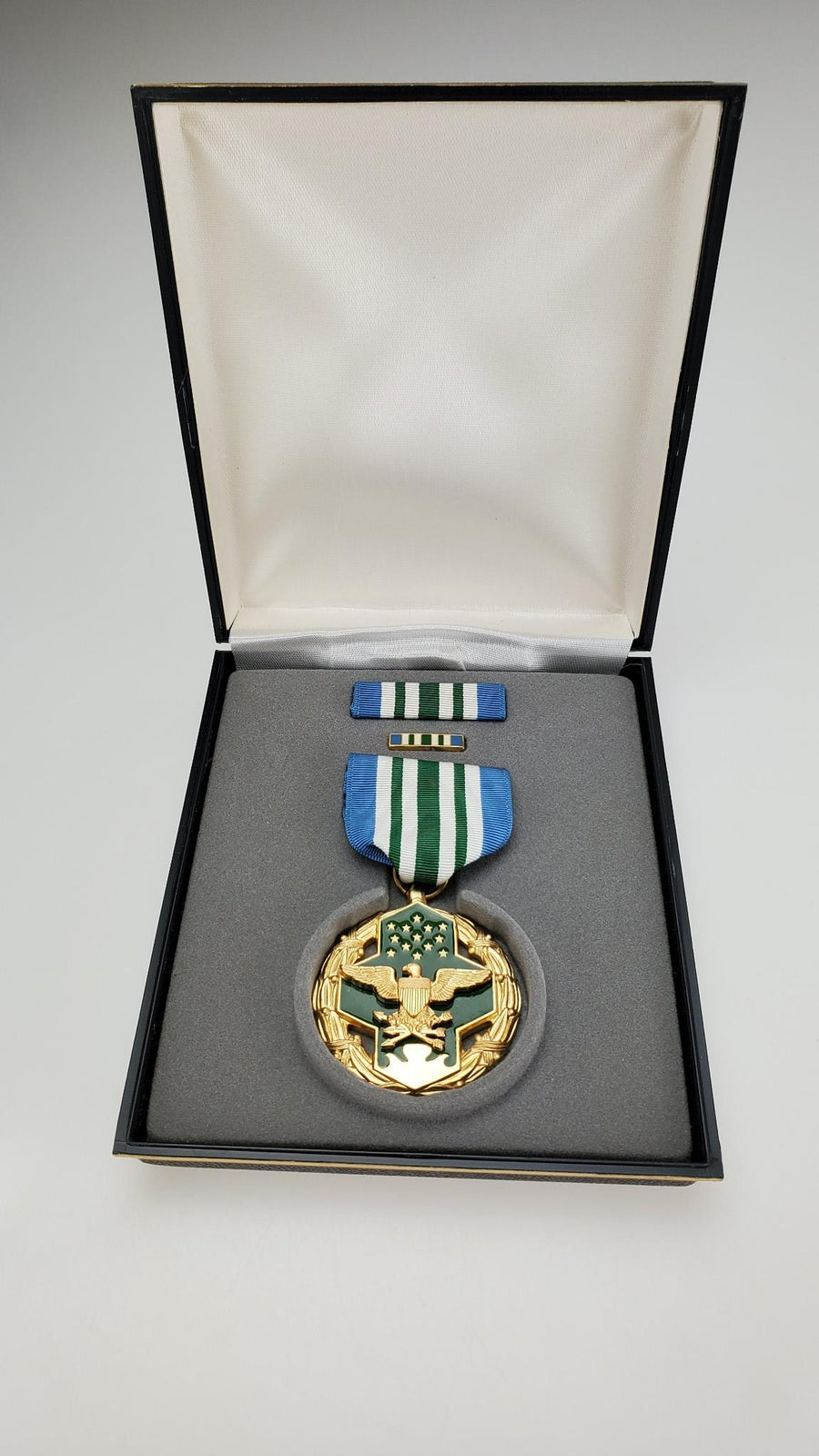 US Military Joint Service Commendation Medal in Presentation Box - Aces In Action
