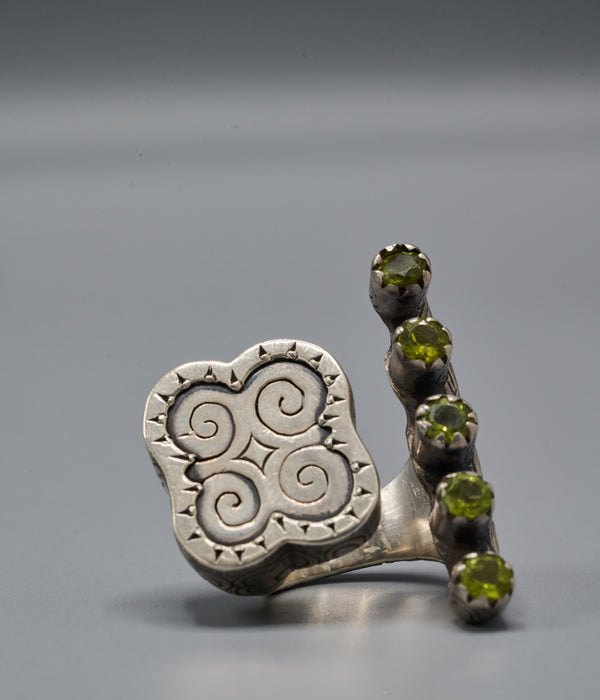 Wangari Trinity Ring with Dwennimmen