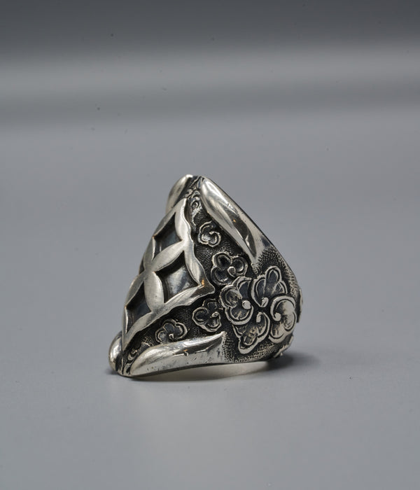 Zulu Shield Ring with Eban