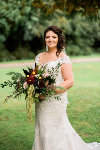 bride with large bouquet