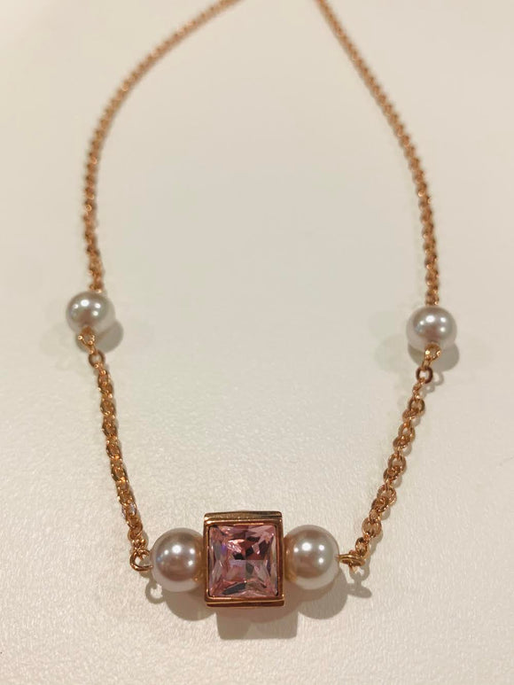 Rose Gold Neclace with Pearls and Light Pink Stone