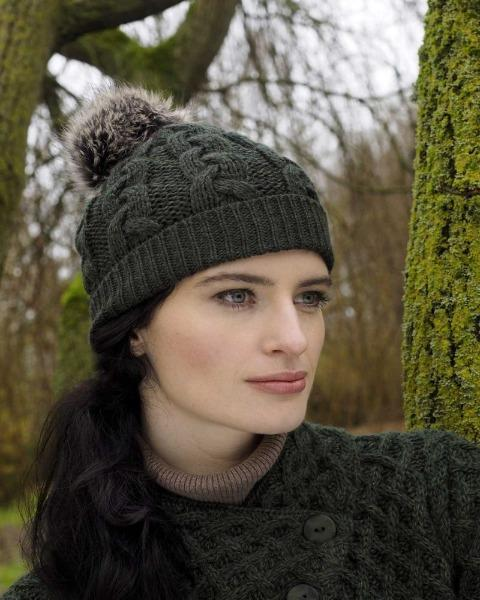 Cable Knit Pom-Pom Hat in Army Green