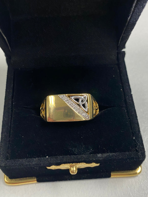 Heavy Gold Ring with Trinity and Diamonds