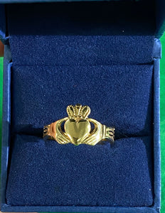 Claddagh ring with trinity knot 10k R044