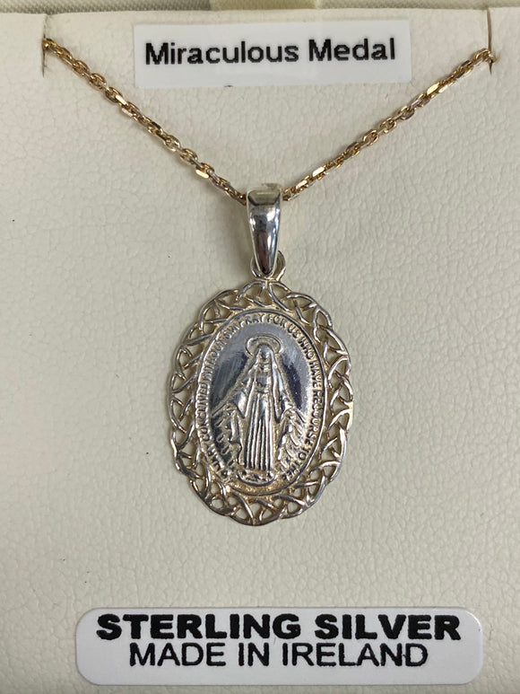Miraculous medal with lace edges PMM2