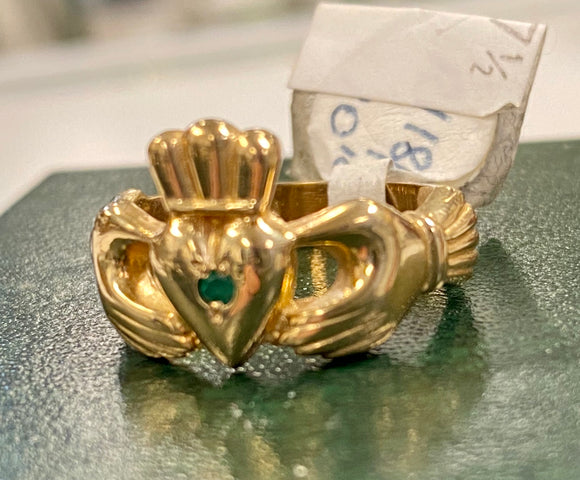 10k Heavy claddagh with small emerald