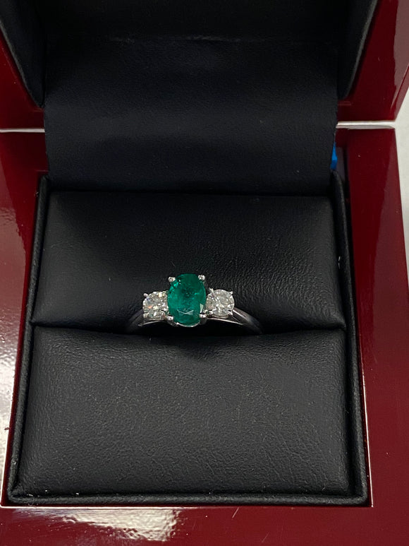18k real diamond and emerald ring