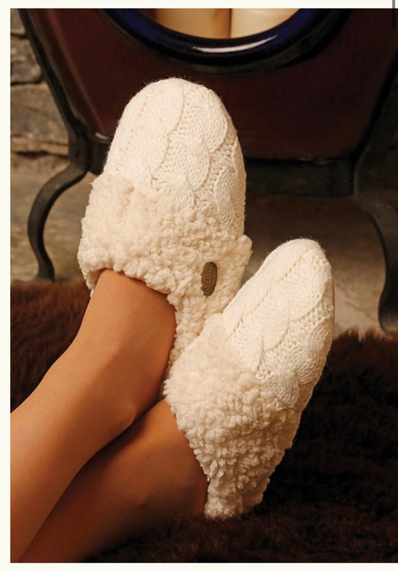 Adult Aran Knitted Slippers R688