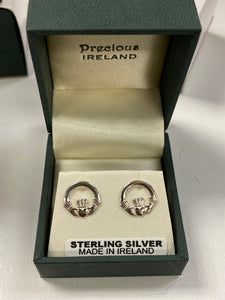 Sterling silver claddagh SE461