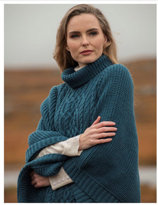 BROSNA SOFT RIBBED PONCHO in Teal R4906