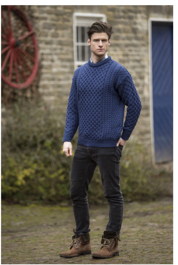 C1949. Blue marl men's crew neck