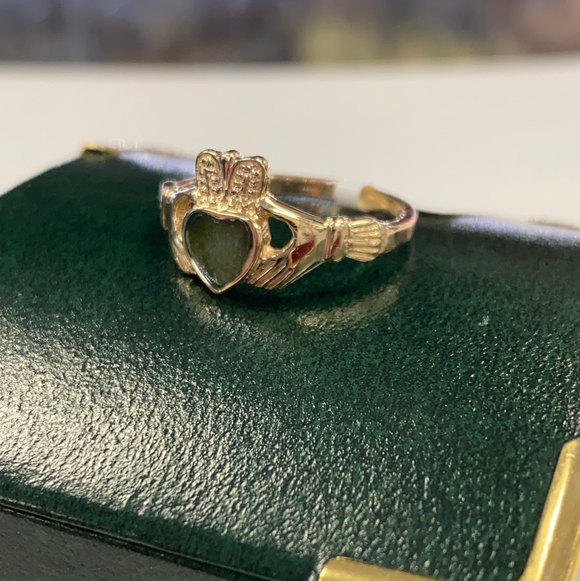 10k gold claddagh with Connemara marble heart #200s