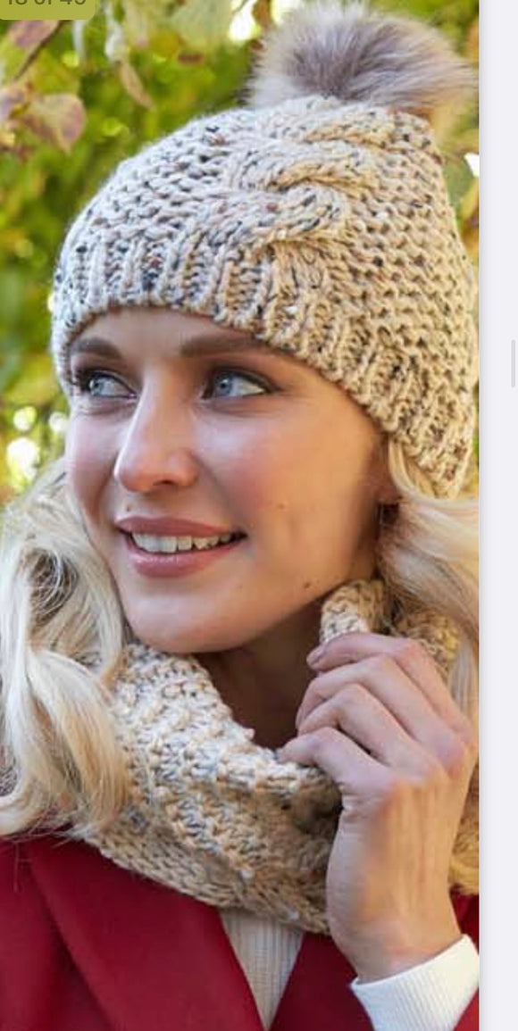 Ladies speckled oatmeal bobble hat