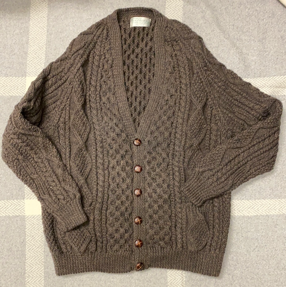 Crana hand knit cardigan color turf size 48