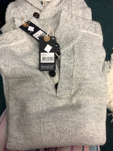 Emerald Isle Men's winter white 3 button sweater