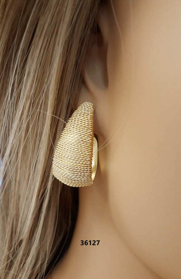 36127 18K Gold Layered Earring
