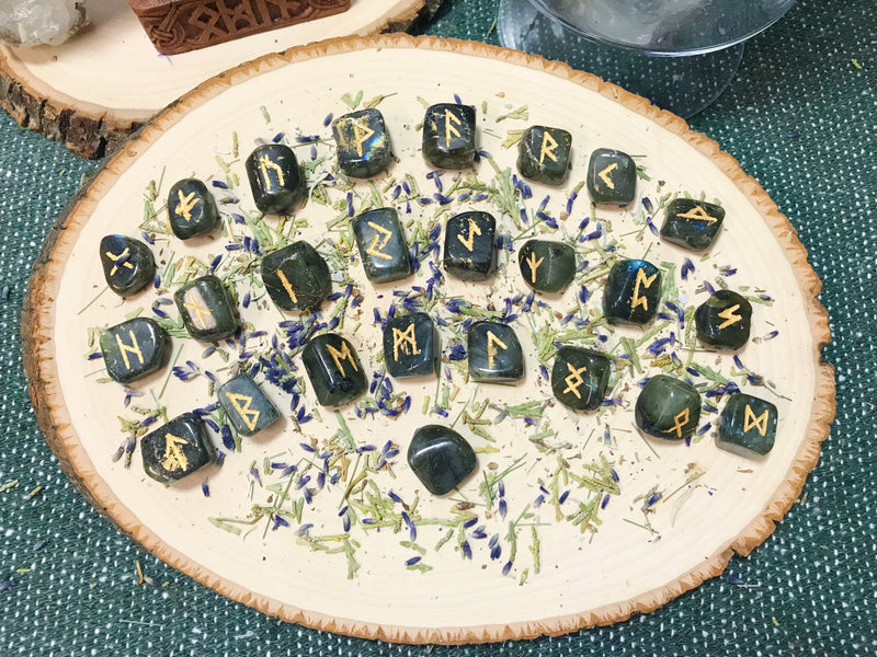 Crystal Elder Futhark Rune Set