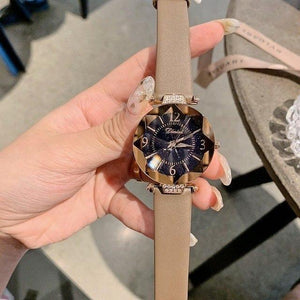 Top Brand Diamond Dial Women Watches Ladies Casual Dress Watch Women Elegant Starry Sky Dial Quartz Watch Womens' Fashion Accessories khaki Fashion & Tech Shop